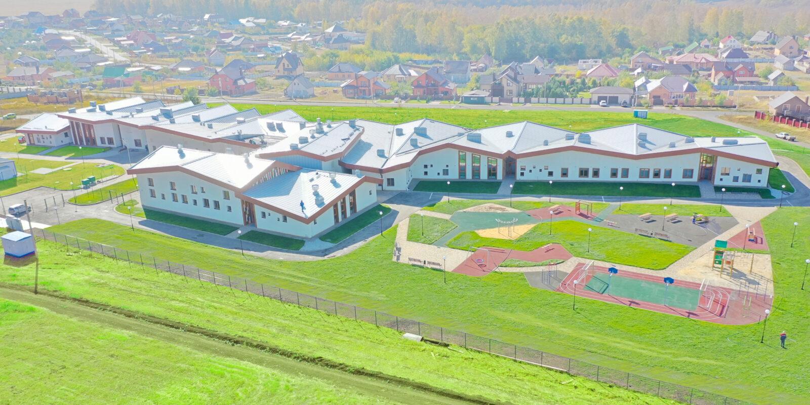 Начальная школа, сблокированная с детским садом на 100 мест